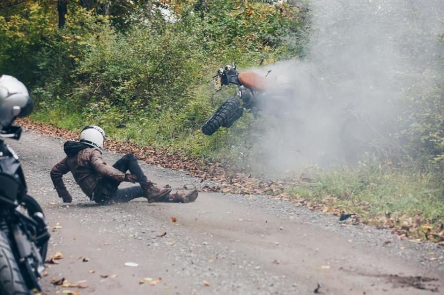 BMW R Nine T Scrambler crash